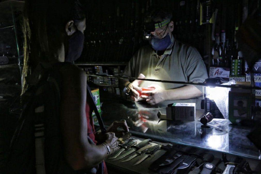 Miles de vecinos sufren otro corte de luz en Monte Grande