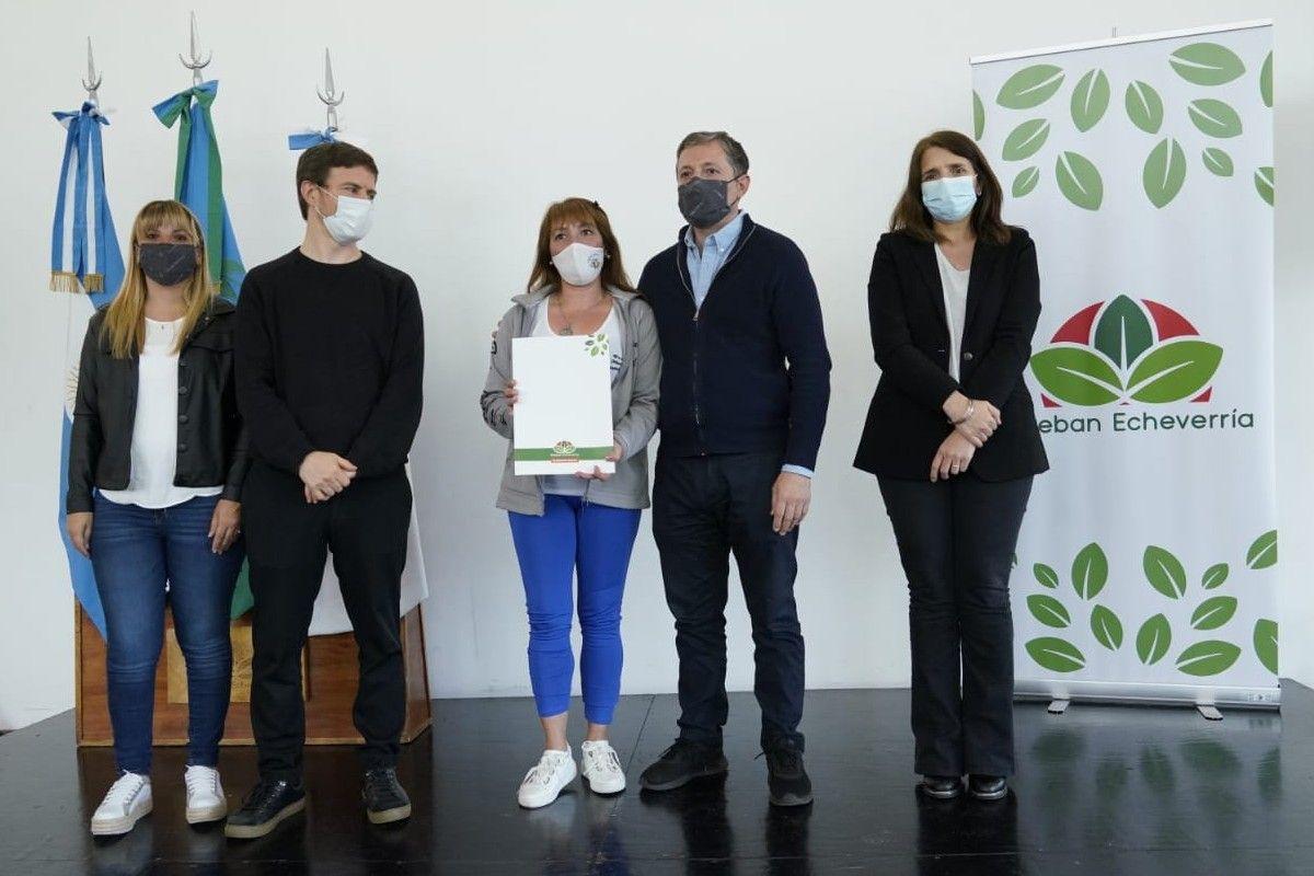 esteban echeverria: mas de 50 vecinos recibieron fondos para la reactivacion turistica y cultural