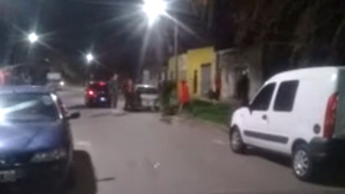 Choque, discusión y un joven baleado en Lomas de Zamora