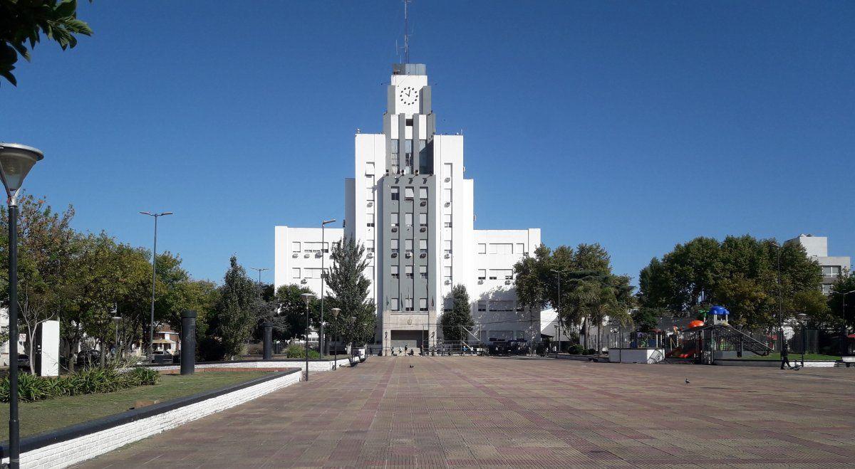 Municipalidad de Lomas de Zamora y Plaza Grigera, una zona emblemática del Conurbano.