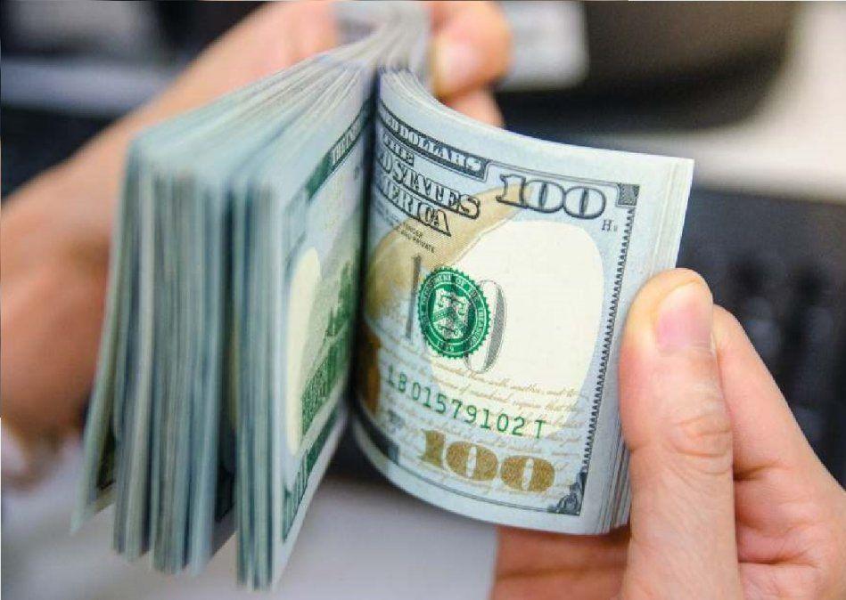 Si cobrás tu sueldo con ATP, ya no vas a poder comprar dólares: nuevas restricciones
