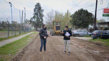 Esteban Echeverría: Fernando Gray recorrió obras de pavimento en Luis Guillón