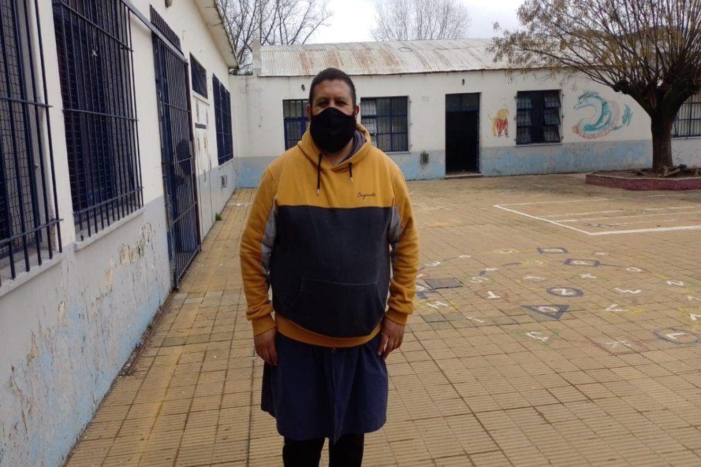 Mario Ignacio Costas es maestro en la Escuela Primaria Nº2 de Monte Grande.