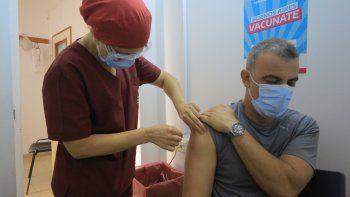 Empezaron a aplicar la segunda dósis de vacunas contra el coronavirus