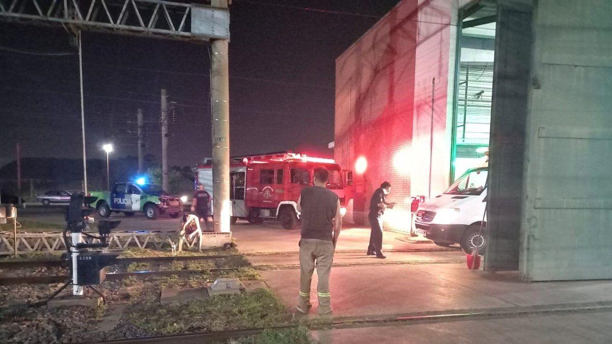 Murió uno de los operarios electrocutados en la estación Llavallol