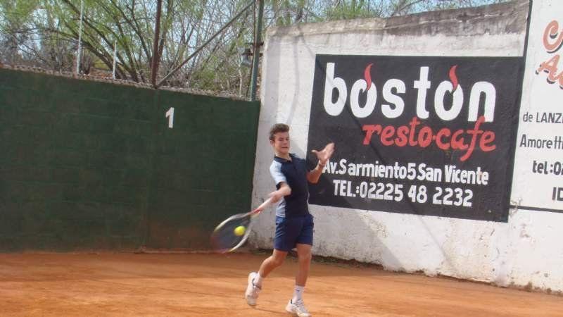 Agustín Gentile, tenis a lo grande