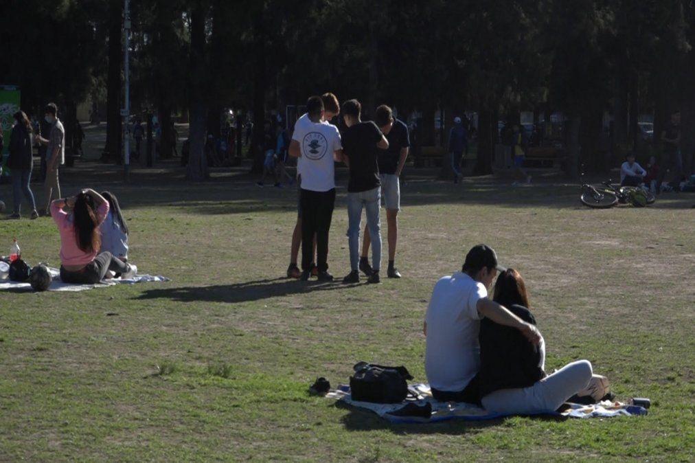 Día de la Primavera en Monte Grande con gran cantidad de gente en parques y plazas