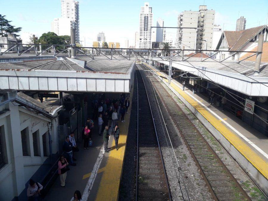 Tragedia en Lomas de Zamora: una mujer se arrojó a las vías del tren