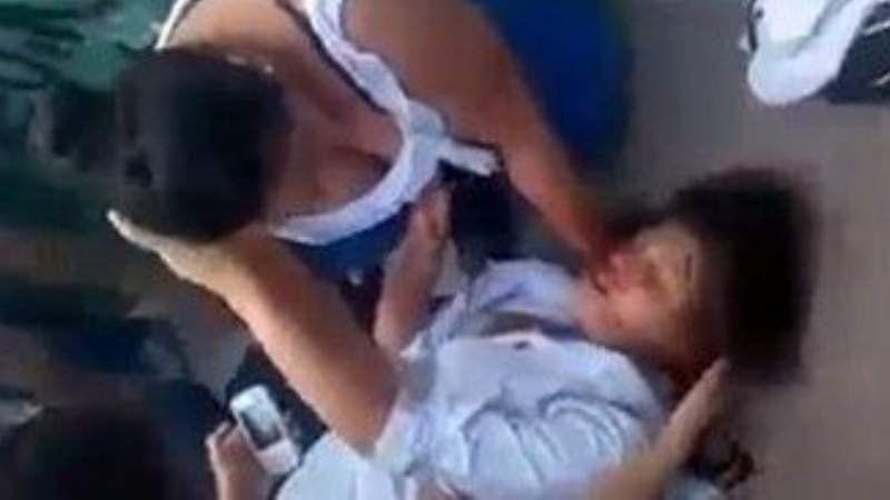 Una alumna debió ser hospitalizada tras ser atacada por una compañera