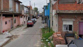 Lanús: un joven murió de un disparo en una fiesta clandestina y buscan a una mujer prófuga