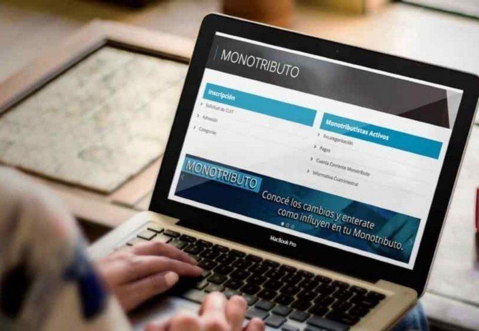Aguinaldo para monotributistas: la propuesta de un precandidato