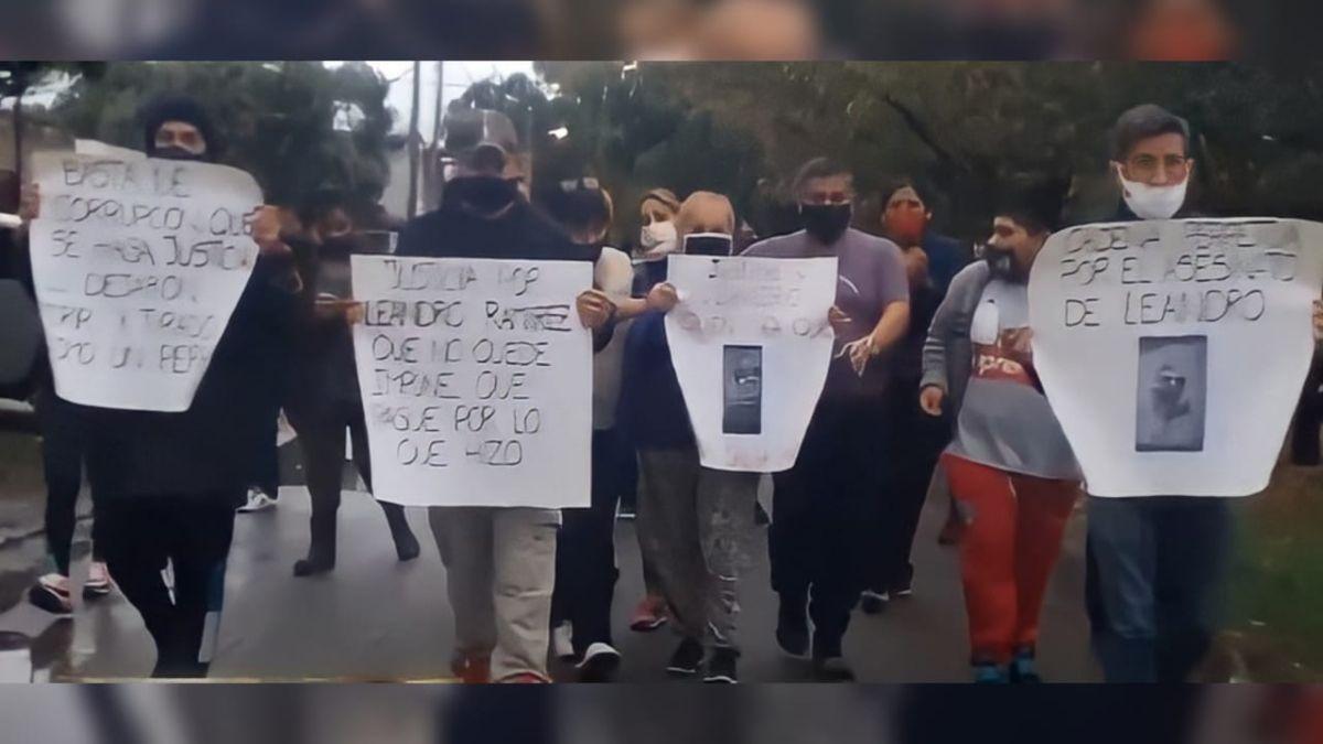 Vecinos y familiares pidieron justicia por el hombre asesinado en Ezeiza.