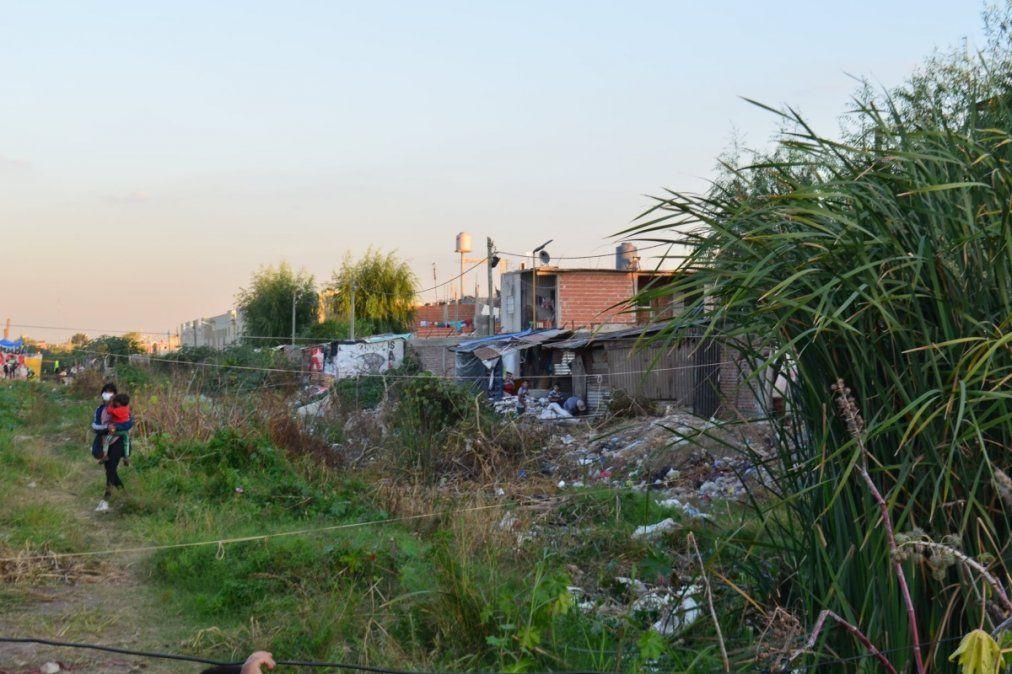 Cómo fue el masivo desalojo de 100 familias en un barrio de Lanús