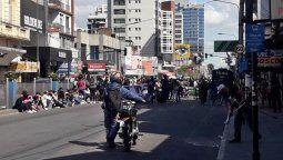 protesta contra edesur en lomas de zamora: cortan hipolito yrigoyen