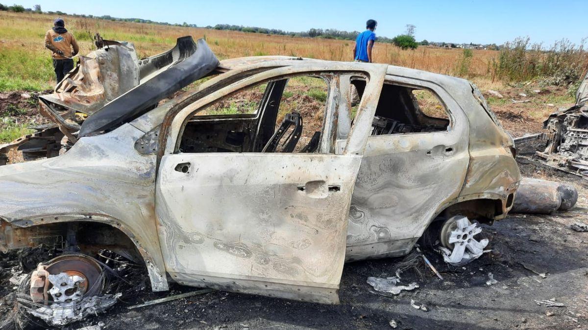 Golpe Comando en El Candil: los vehículos robados aparecieron prendidos fuego.