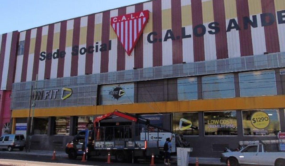 Balearon la sede de Los Andes