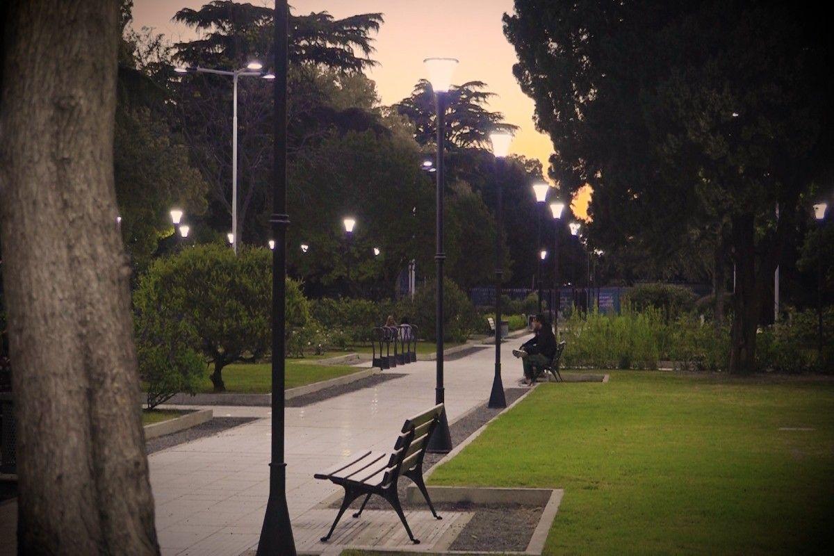 Inauguraron las obras de la plaza San Martín de Monte Grande: así está hoy