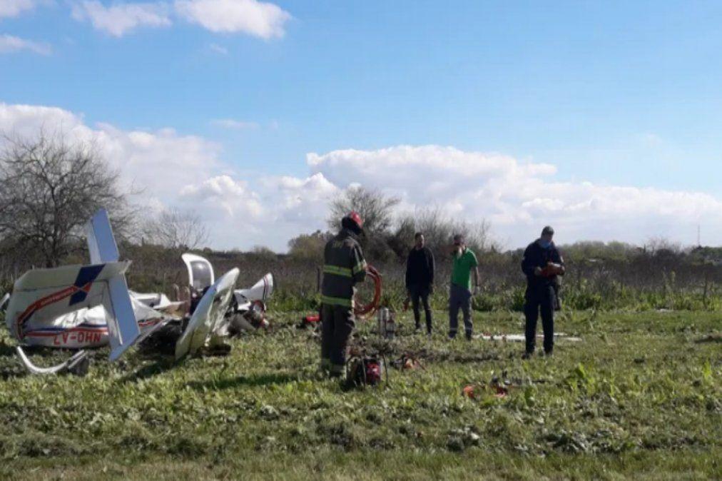 Cayó una avioneta al lado de la autopista Buenos Aires-La Plata: hay dos muertos