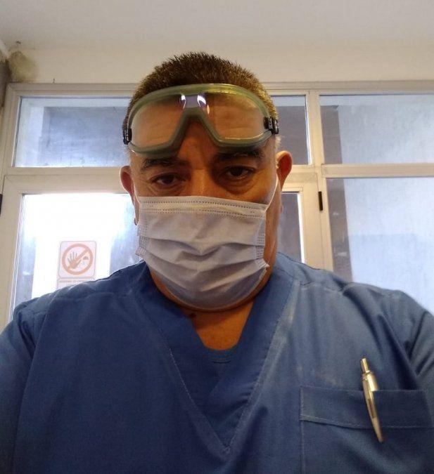Un enfermero del Lucio Meléndez contrajo coronavirus y lucha por su vida