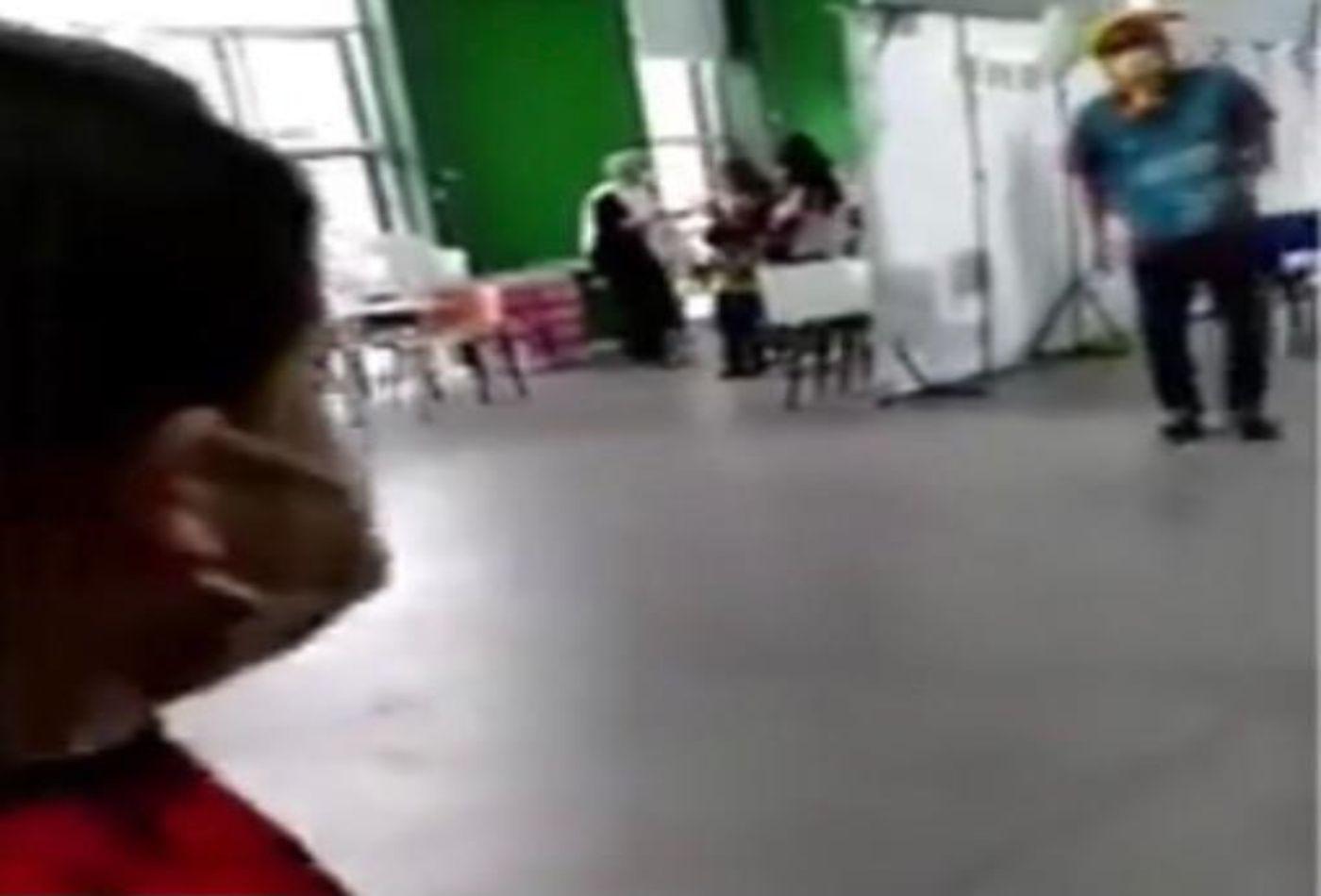 video: un nene fue a vacunarse y lo llamaron con el nombre de peter parker