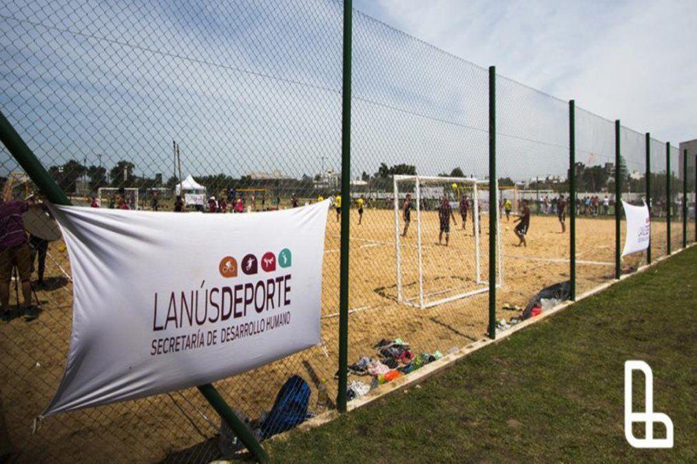 La AFA realizará partidos de futbol playa en el Velódromo de Lanús.