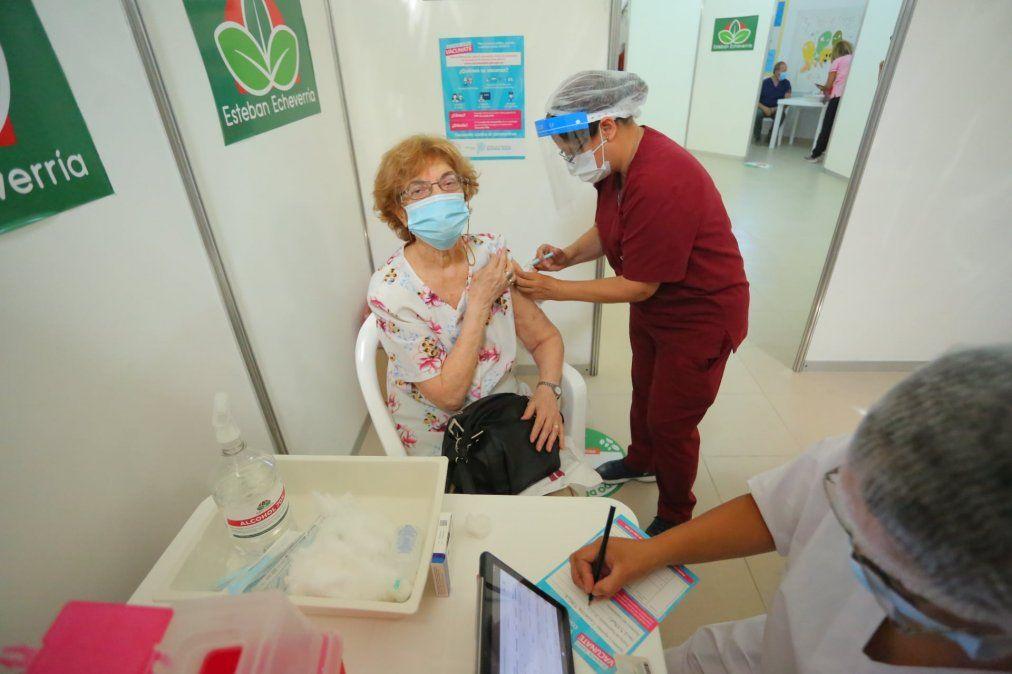 Esteban Echeverría: con dos ONG seguirán la vacunación para garantizar transparencia