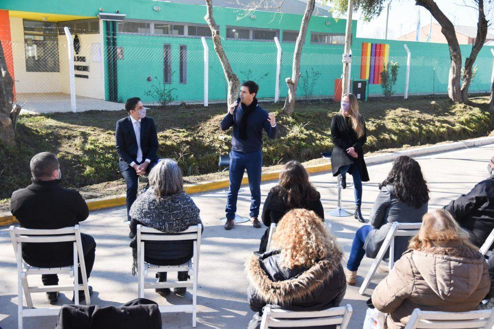 Inauguraron el jardín 916 de San Vicente y anunciaron una nueva escuela primaria