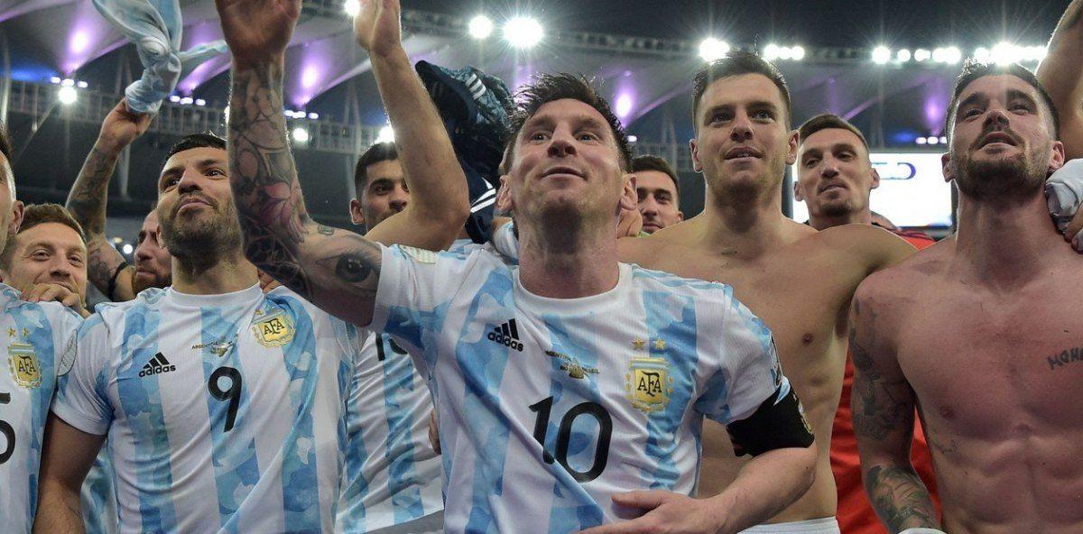 Brasilero, brasilero..., el cántico que inició De Paul y fue frenado por Messi que se volvió viral