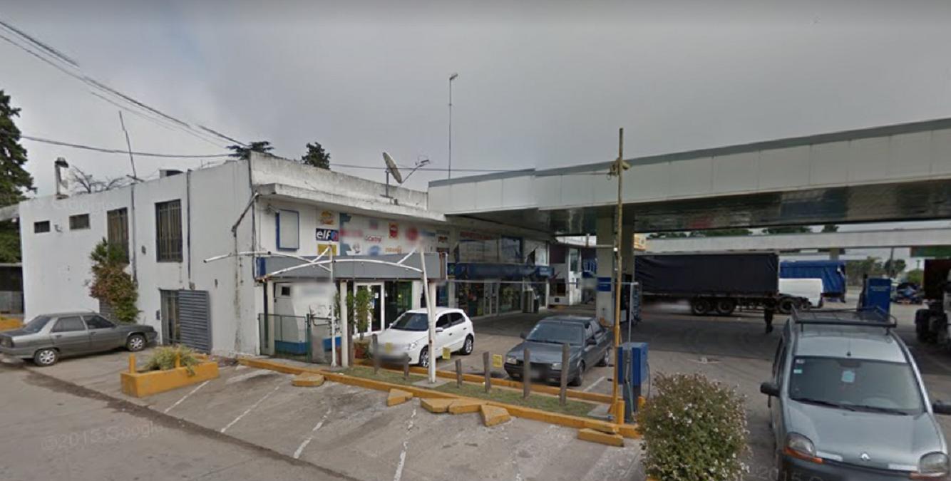 Incendio en una estación de servicio de Luis Guillón