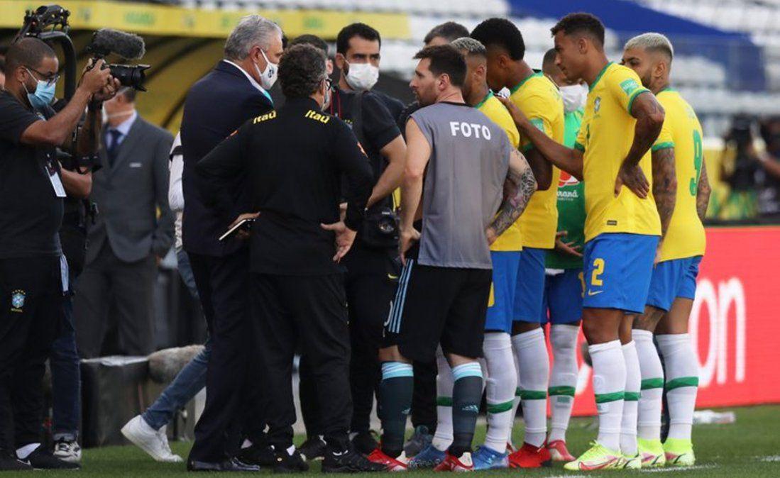 Revelaron por qué Messi usó la pechera de un fotógrafo