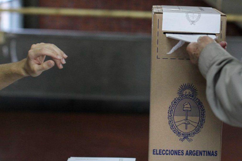Las elecciones PASO, cuestionada por el politólogo Cristian Schwartz.