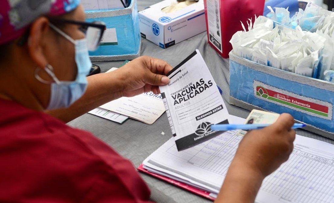 Esteban Echeverría: contratarán 300 vacunadores de Covid-19