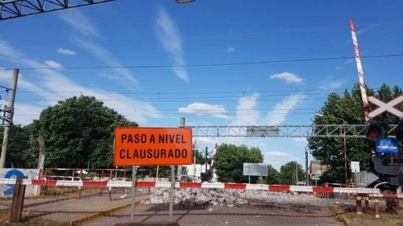 El paso a nivel de la calle Uruguay en Korn estará cerrado por un mes