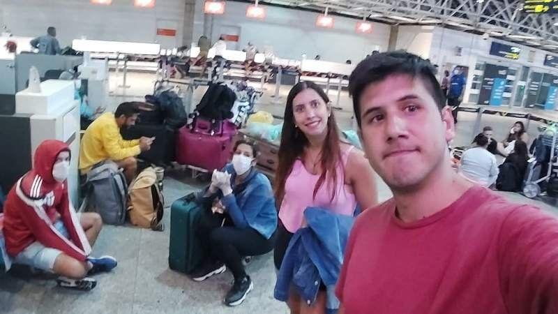 El drama de dos vecinos de Brown varados en Brasil: No nos pueden dejar acá
