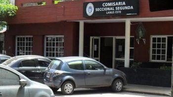 Se suicidó un policía en una comisaría de Lanús: era hijo de la mujer que se tiró a las vías