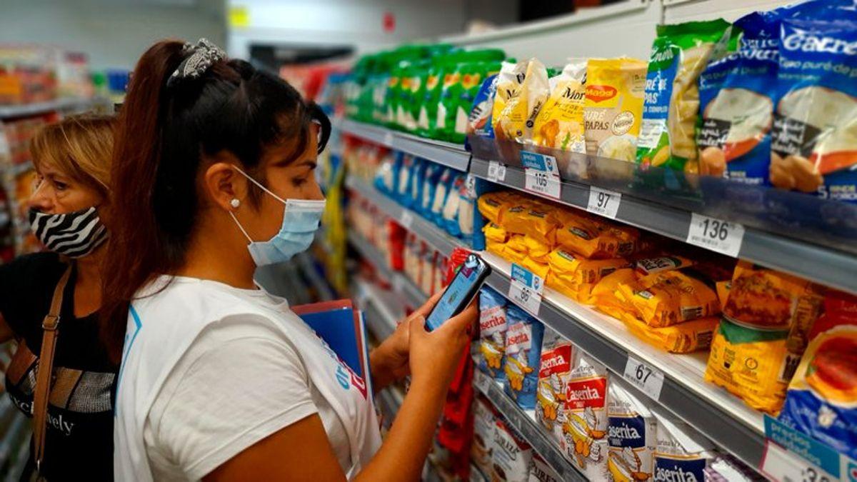 ante la falta de acuerdo con las empresas, el gobierno congela los precios de 1.432 productos