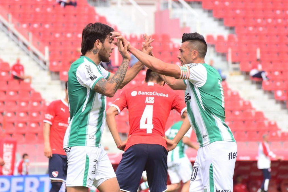 En Avellaneda, Banfield se lo dio vuelta por duplicado a Independiente