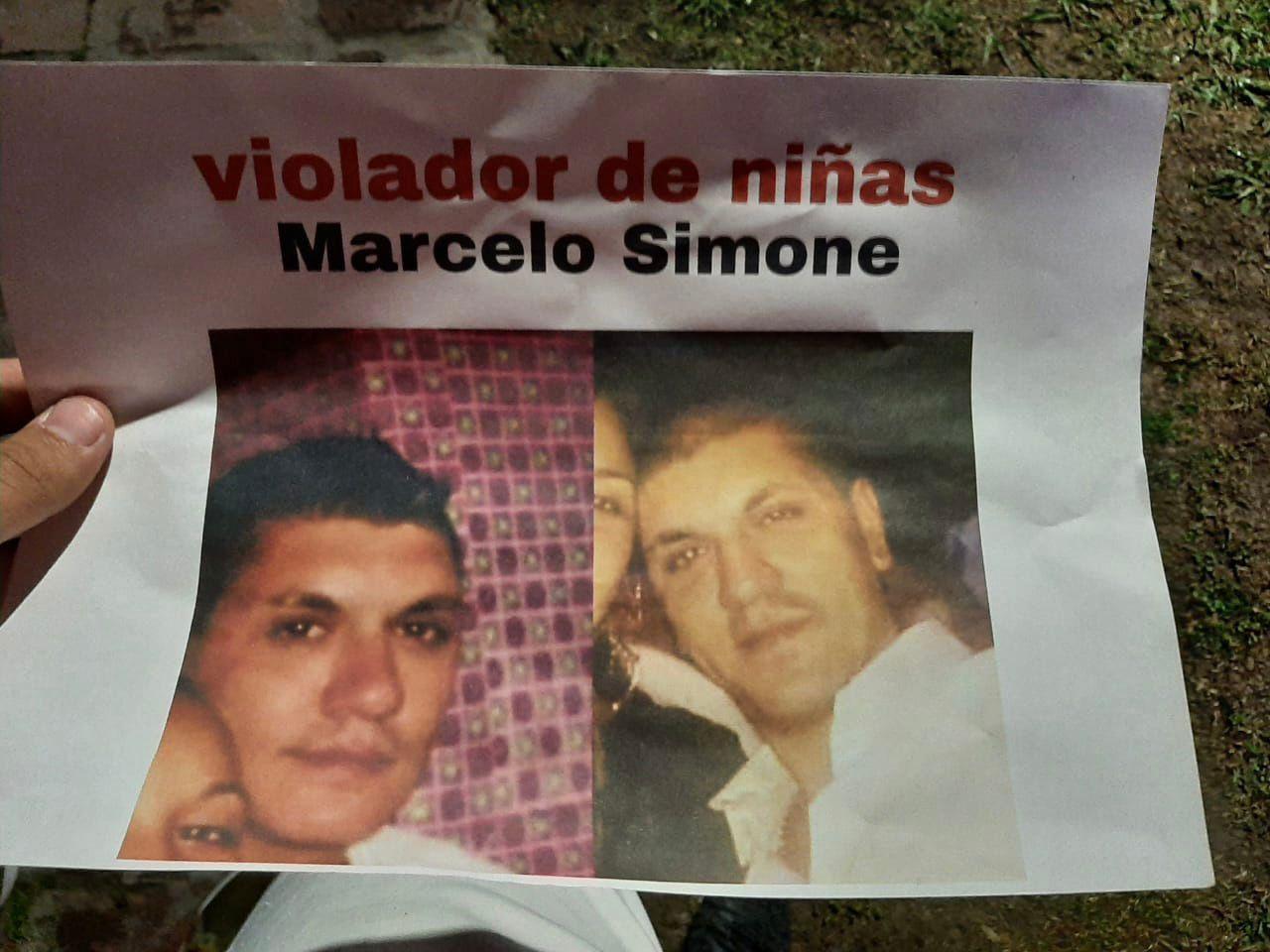 Rafael Calzada: Vecinos intentaron linchar a un presunto abusador y protestaron en su casa