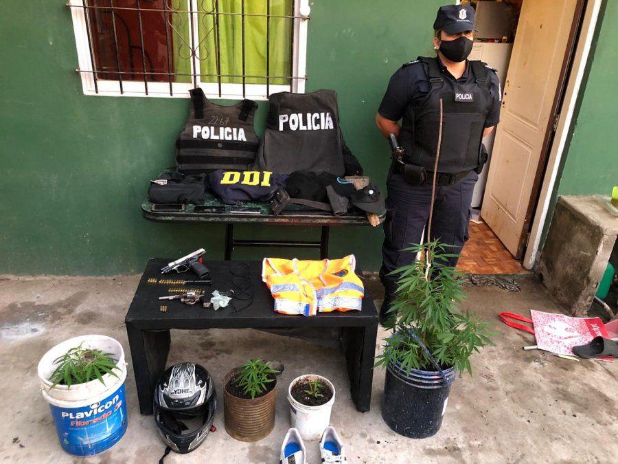 Glew: Delincuentes con vestimenta policial robaron una camioneta