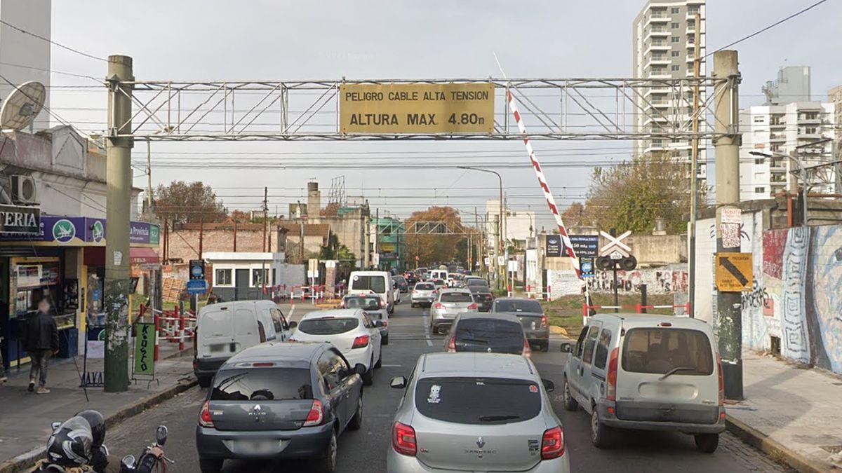Lomas de Zamora: cierran la barrera de Loria y una calle pasa a ser doble mano