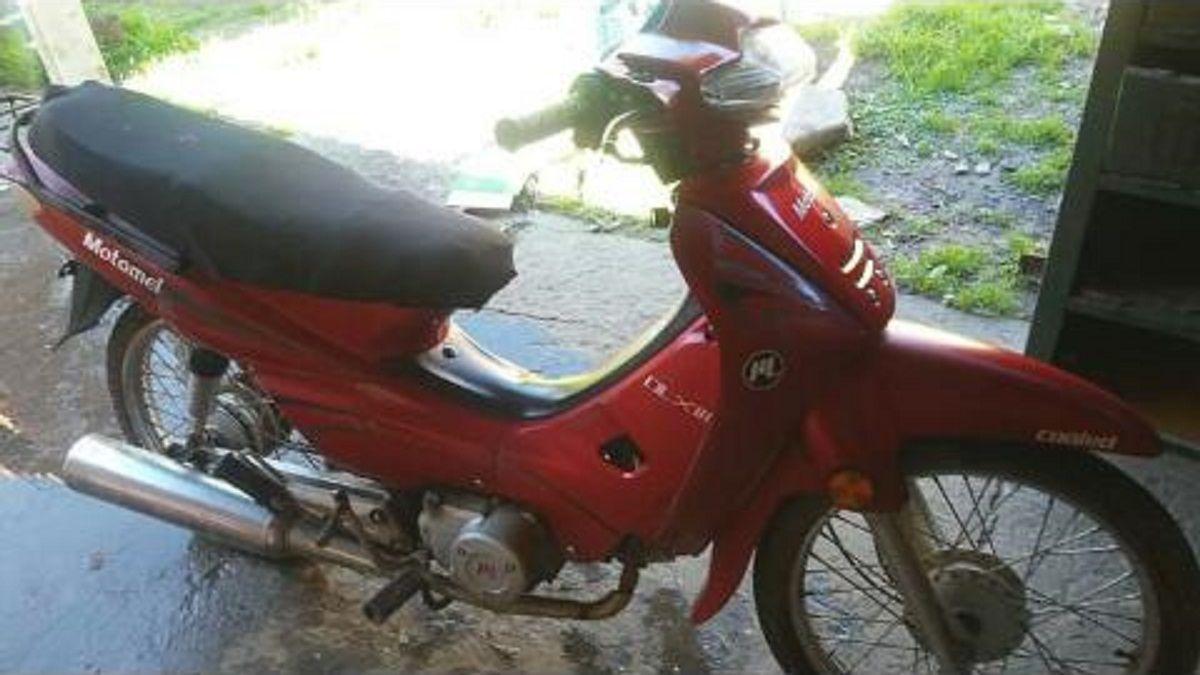 Burzaco: compró una moto para trabajar como delivery y se la robaron en un reparto