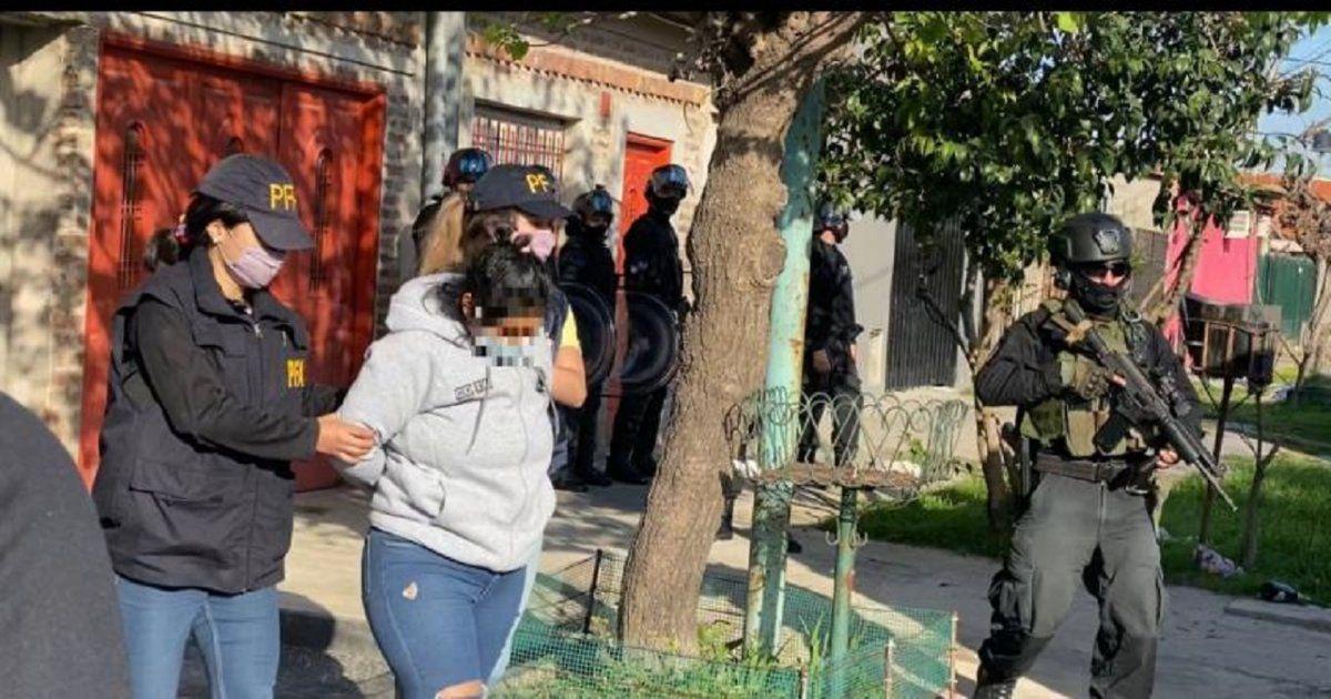 Cinco detenidos en un allanamiento en Fiorito