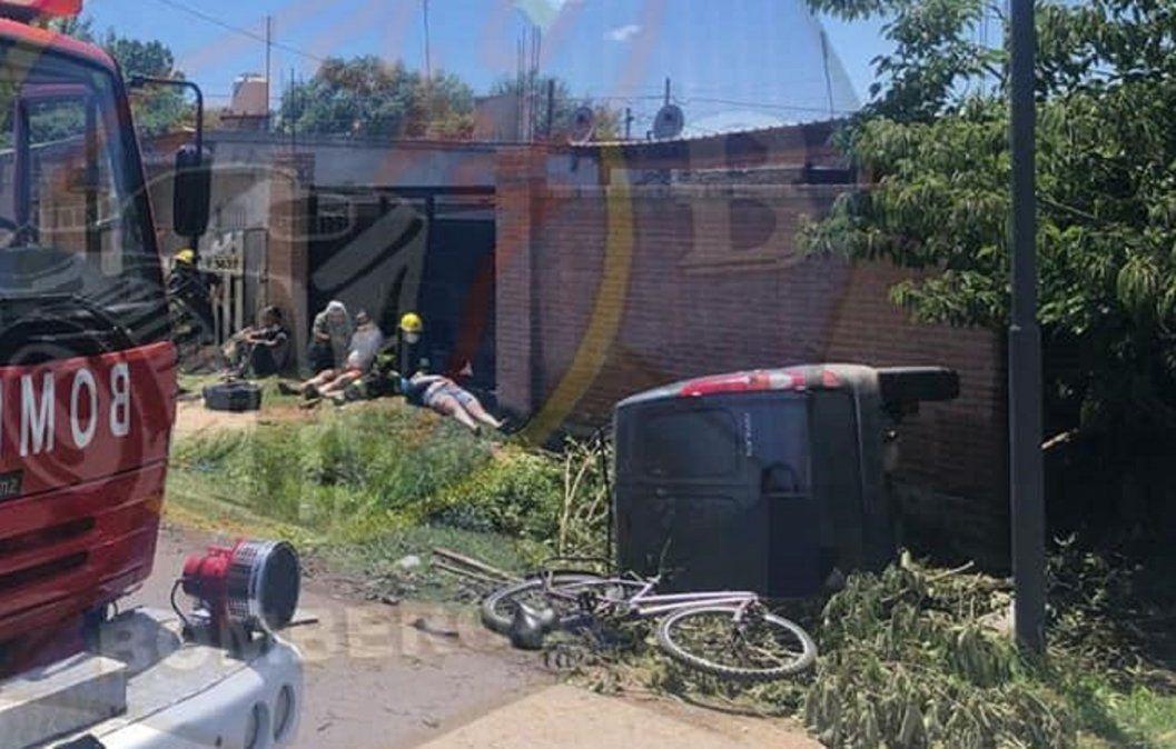 Brown: Volcó una camioneta y hay tres personas heridas