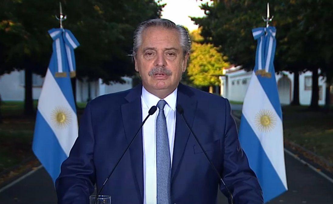 Toque de queda, límite al transporte y todas las restricciones que anunció Alberto Fernández