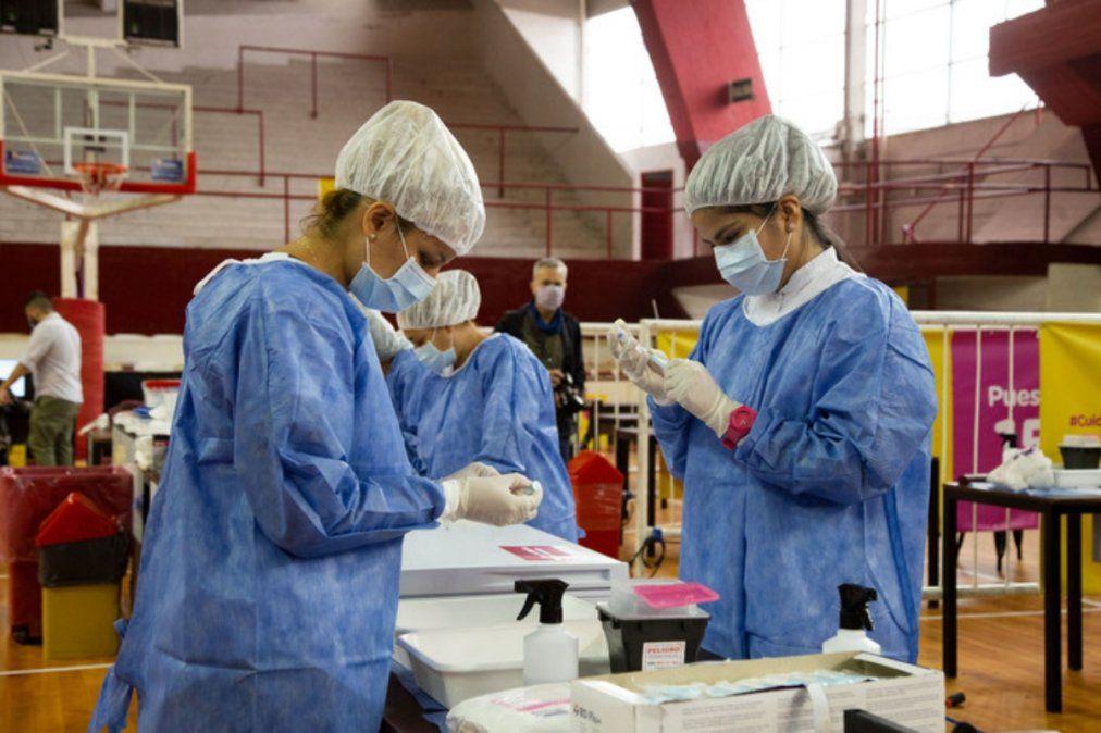 En Lanús ya se vacunaron 151 adultos mayores de 70 años sin turno previo.