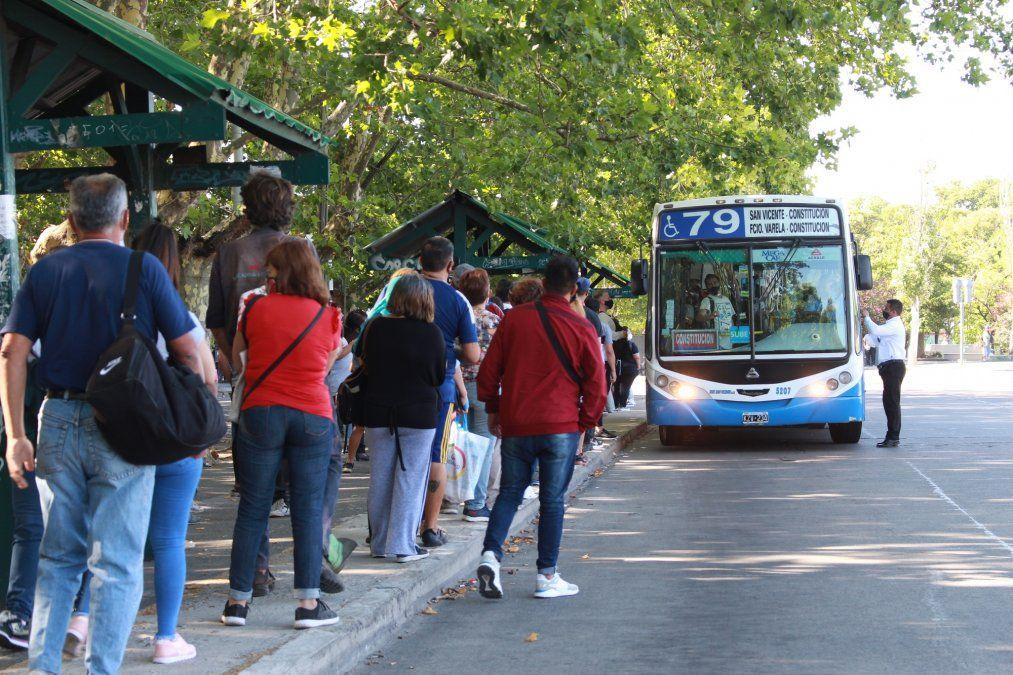 Transporte público: quiénes pueden viajar y cómo tramitar el permiso de circulación