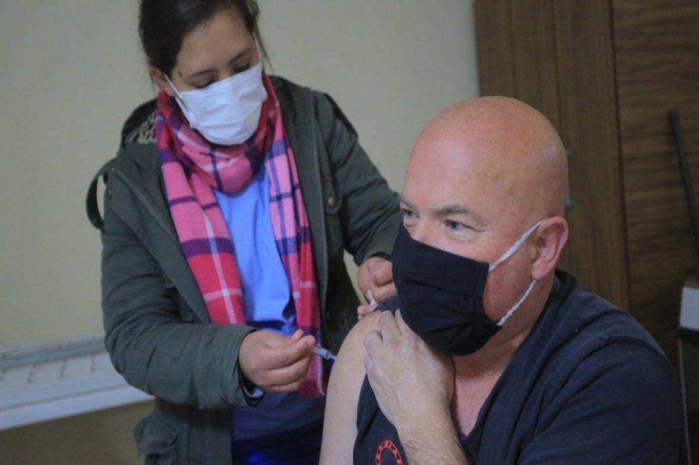 El Municipio de Esteban Echeverría dispone de ocho centros de vacunación gratuitos contra el coronavirus.