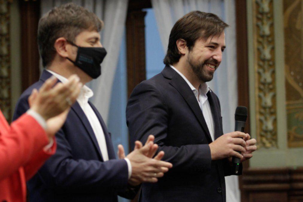Este miércoles Nicolás Kreplak juró como nuevo titular de la cartera sanitaria de provincia. Entre los ministros que van para precandidatos, Daniel Gollan le legó el cargo.