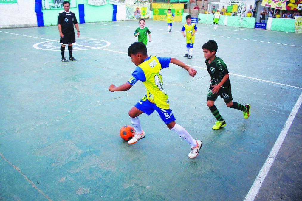 Clubes de fútbol infantil volvieron a los entrenamientos