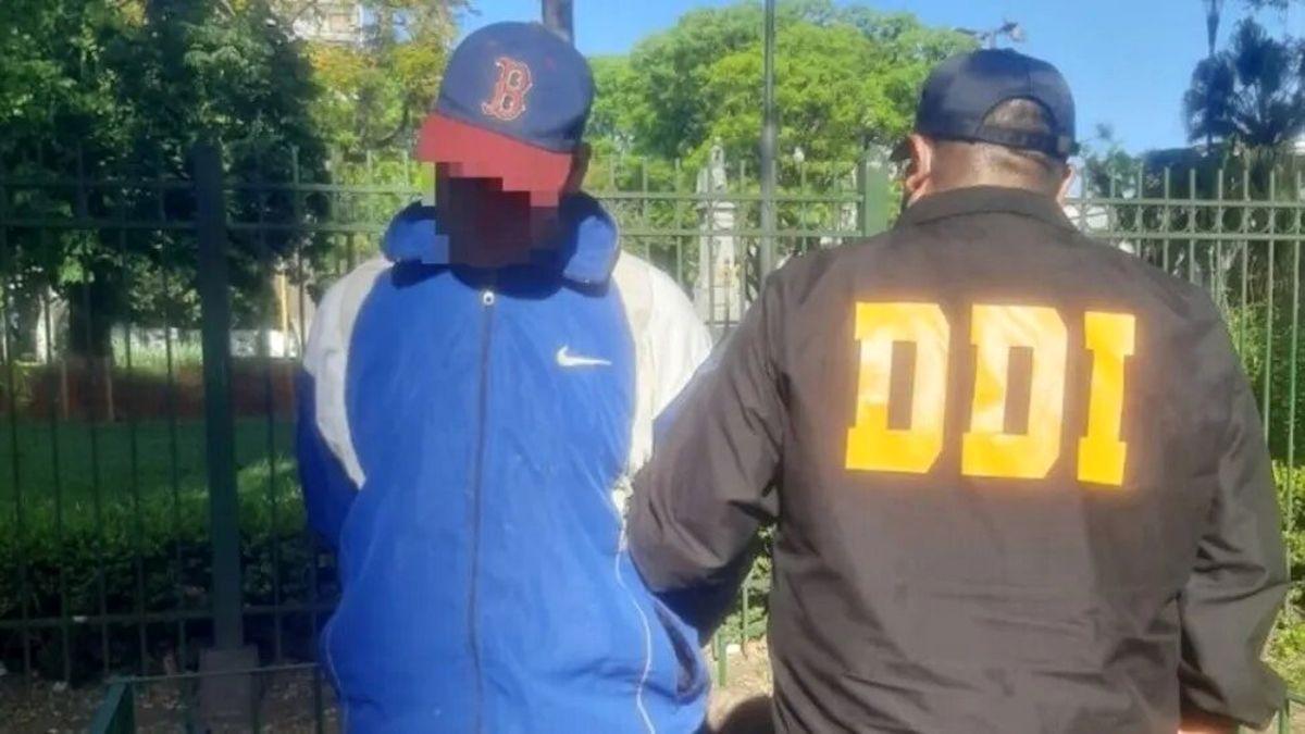 Atraparon a un prófugo acusado de violar a una mujer y tres menores en Llavallol
